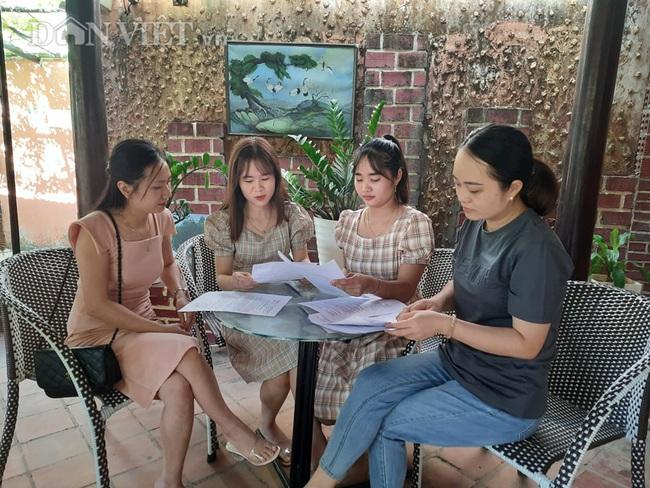 Các cô giáo hy vọng cơ quan chức năng có giải pháp tháo gỡ, bảo đảm quyền lợi cho họ.