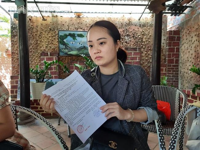 Phạm Minh Hạnh buồn bã khi hoàn thành 3 năm tình nguyện dạy ở Lào, trở về thì biết QĐ 31 không còn xét tuyển đặc cách cho cô.