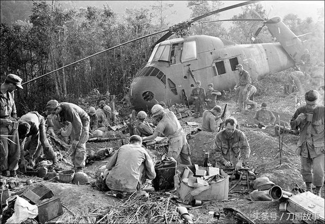 Vì sao trực thăng Mỹ lại mong manh, yếu ớt ở chiến trường Việt Nam? - Ảnh 11.