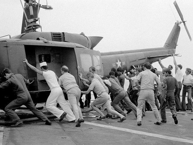 Vì sao trực thăng Mỹ lại mong manh, yếu ớt ở chiến trường Việt Nam? - Ảnh 15.