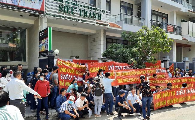 Khách hàng đau đầu vì mua căn hộ tại dự án chung cư Nam An: Hàng trăm người tập trung phản đối chủ đầu tư - Ảnh 2.