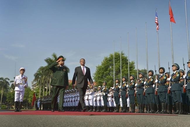 Những hình ảnh lịch sử 25 năm quan hệ Việt – Mỹ - Ảnh 14.