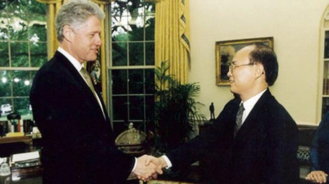 Những hình ảnh lịch sử 25 năm quan hệ Việt – Mỹ - Ảnh 4.