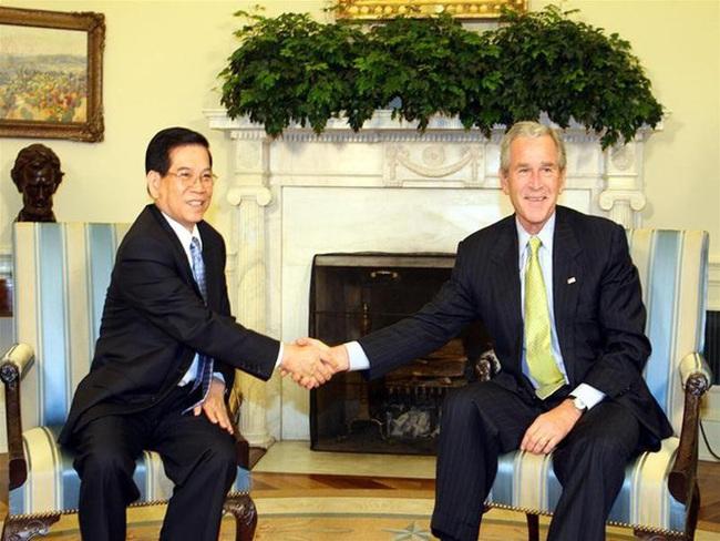 Những hình ảnh lịch sử 25 năm quan hệ Việt – Mỹ - Ảnh 11.