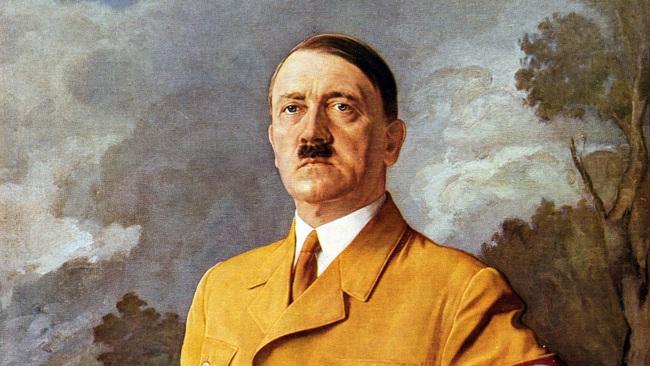 """Ngoài người Do Thái, Hitler muốn """"đuổi cùng giết tận"""" nhóm người nào? - Ảnh 1."""