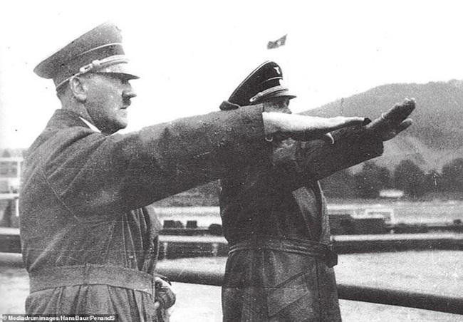 """Ngoài người Do Thái, Hitler muốn """"đuổi cùng giết tận"""" nhóm người nào? - Ảnh 5."""