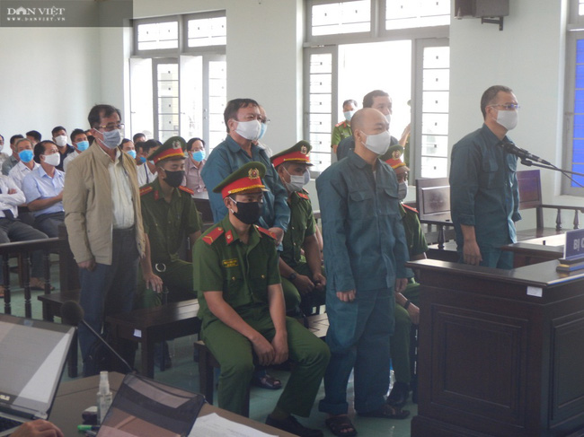 Bình Thuận: Cựu Chủ tịch TP.Phan Thiết  hầu tòa vì sai phạm trong quản lý đất đai - Ảnh 2.