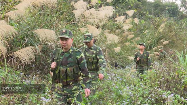 Thiếu tá Đàm Xuân Hội: 3 ngày chỉ uống nước, về khu cách ly, họ vồ lấy mì tôm ăn sống luôn - Ảnh 1.