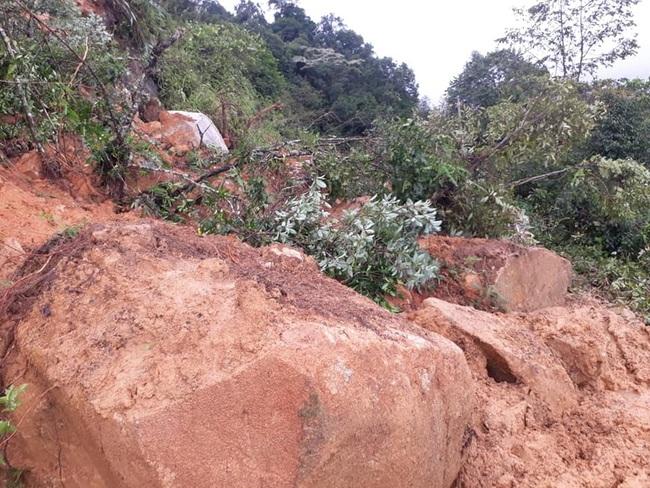 Sơn La: Mưa lớn gây sạt lở đất, đá 1 bé trai tử vong - Ảnh 1.