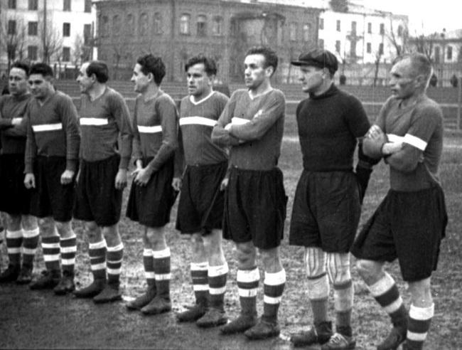 Dinamo Kiev đã khiến các đội bóng của Phát xít Đức nhục nhã ra sao? - Ảnh 1.