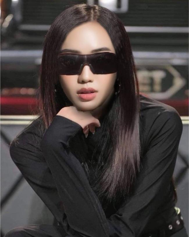 """""""Bạn gái tin đồn"""" Sơn Tùng MTP khoe nước da trắng sứ ngờ đâu để lộ nhược điểm hình thể - Ảnh 8."""