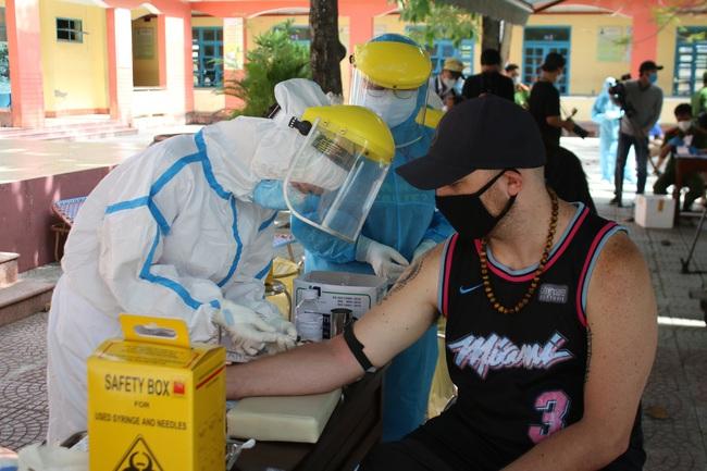 Kết quả xét nghiệm SARS-CoV-2 toàn bộ người nước ngoài tại Đà Nẵng - Ảnh 1.