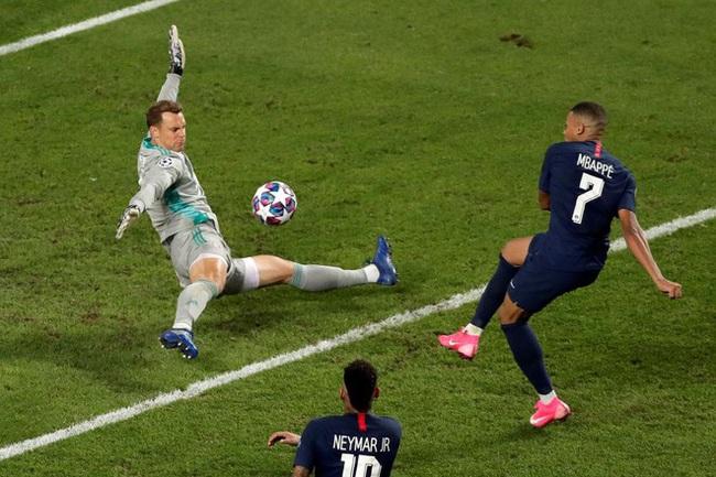 Neuer có nhiều pha cản phá xuất thần ở chung kết