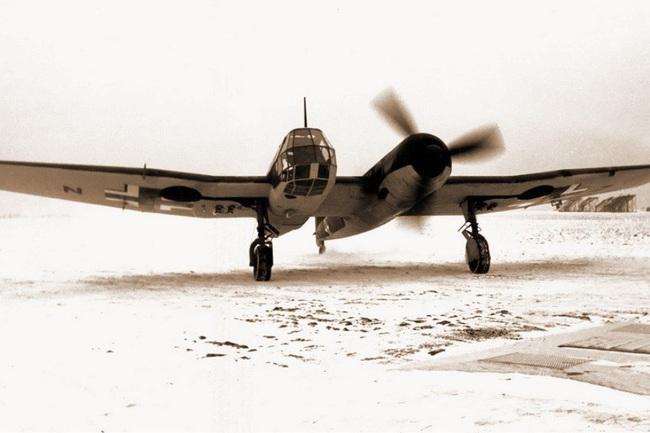 Chết ngất với ý tưởng thiết kế máy bay trong CTTG 2 - Ảnh 6.