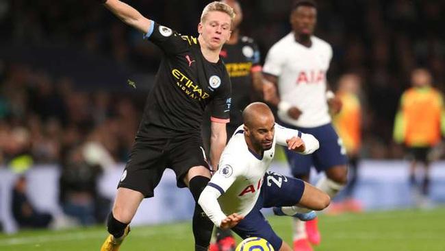 Hậu vệ Man City gặp họa vì vợ mắng... Guardiola sai lầm chiến thuật - Ảnh 2.