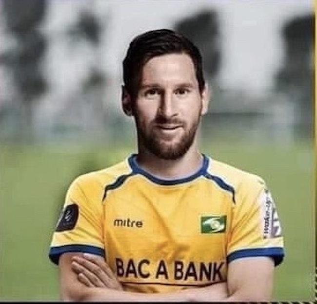"""ẢNH CHẾ: Rời Barcelona, Messi sang Việt Nam """"khuấy đảo"""" V.League - Ảnh 3."""