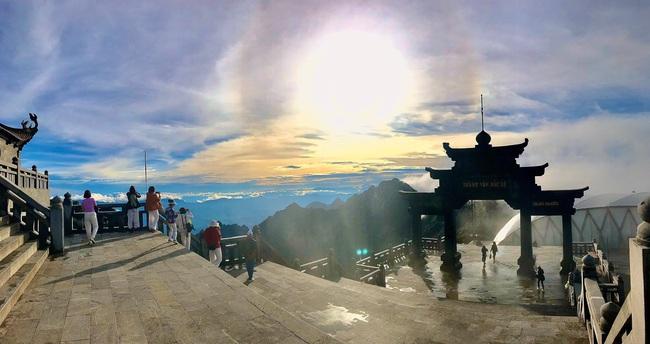 Bình yên mùa Vu Lan trên đỉnh thiêng Fansipan - Ảnh 5.