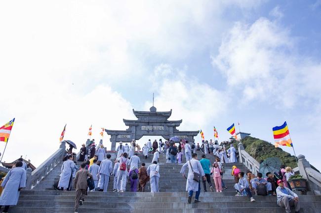 Bình yên mùa Vu Lan trên đỉnh thiêng Fansipan - Ảnh 7.