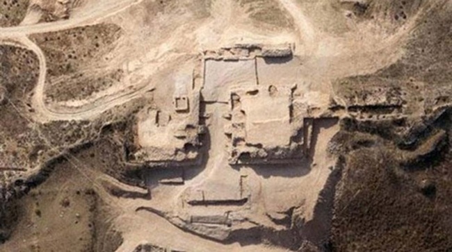 Khai quật mật thất niên đại 4.300 năm, thứ bên trong khiến nhà khảo cổ phải rùng rợn - Ảnh 1.