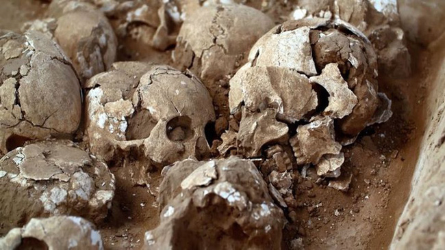 Khai quật mật thất niên đại 4.300 năm, thứ bên trong khiến nhà khảo cổ phải rùng rợn - Ảnh 3.
