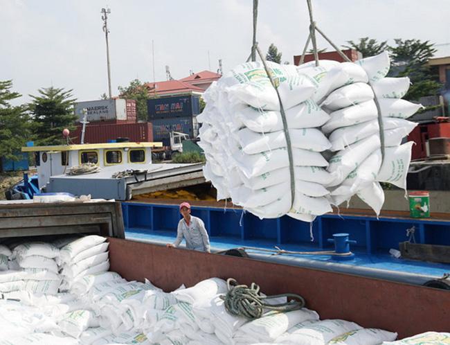 Giá xuất khẩu 1.000USD/tấn, gạo Việt lập kỷ lục mới - Ảnh 1.