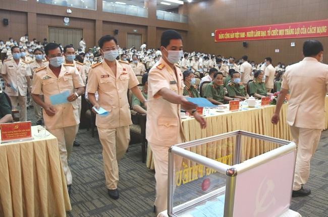 Đại tá Lê Hồng Nam, Giám đốc Công an TPHCM giữ chức Bí Thư Đảng ủy Công an TP nhiệm kỳ 2020 – 2025 - Ảnh 7.