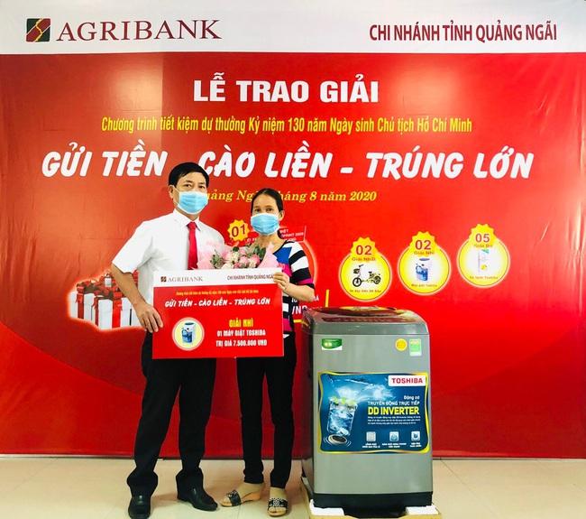 Agribank Quảng Ngãi: Trao thưởng tổng trị giá trên 300 triệu đồng cho khách hàng gửi tiết kiệm - Ảnh 5.