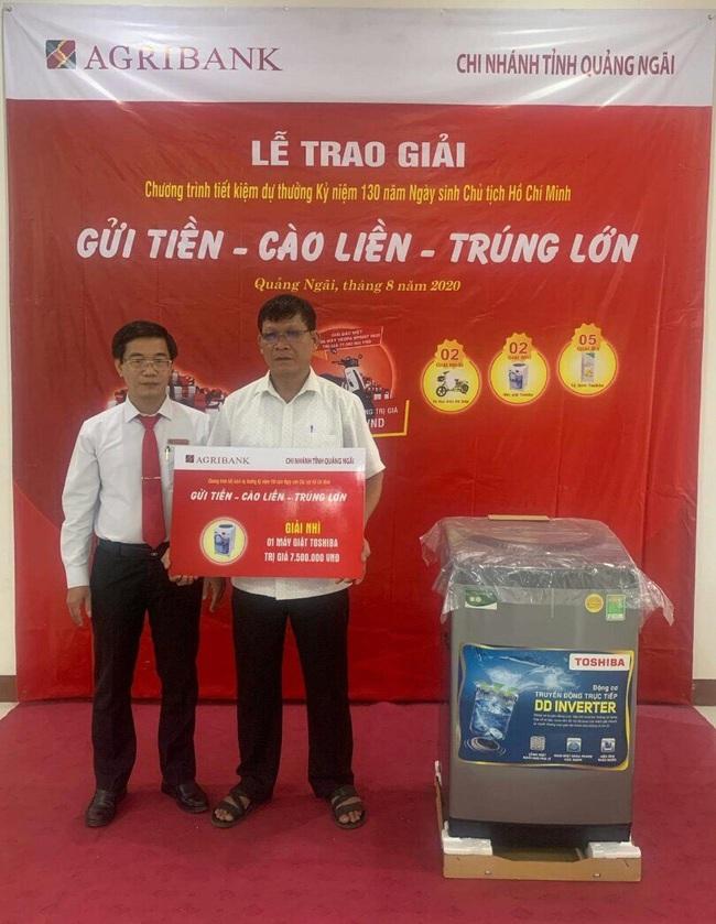 Agribank Quảng Ngãi: Trao thưởng tổng trị giá trên 300 triệu đồng cho khách hàng gửi tiết kiệm - Ảnh 4.