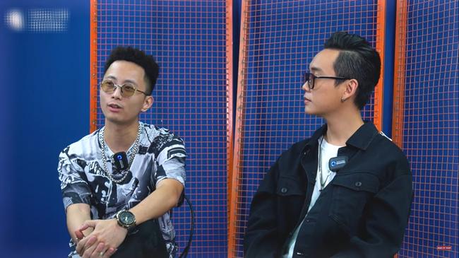 """Nam rapper được Trấn Thành rủ đi diễn hài nói gì trước ý kiến Đen Vâu không phù hợp ngồi """"ghế nóng"""" Rap Việt? - Ảnh 2."""