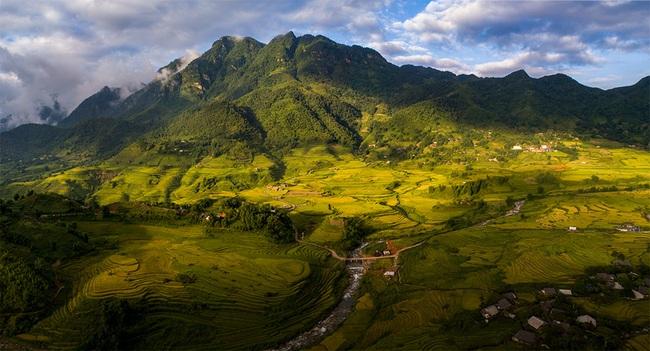 Lào Cai: Không ngờ chân núi Ngũ Chỉ Sơn lại có ruộng bậc thang đẹp mê mẩn thế này  - Ảnh 4.