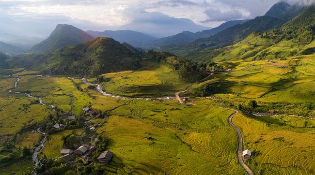 Lào Cai: Không ngờ chân núi Ngũ Chỉ Sơn lại có ruộng bậc thang đẹp mê mẩn thế này  - Ảnh 5.