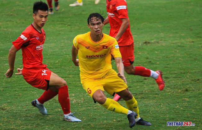Nỗ lực ghi điểm với thầy Park, cầu thủ Việt gốc Pháp gặp vận xui - Ảnh 1.