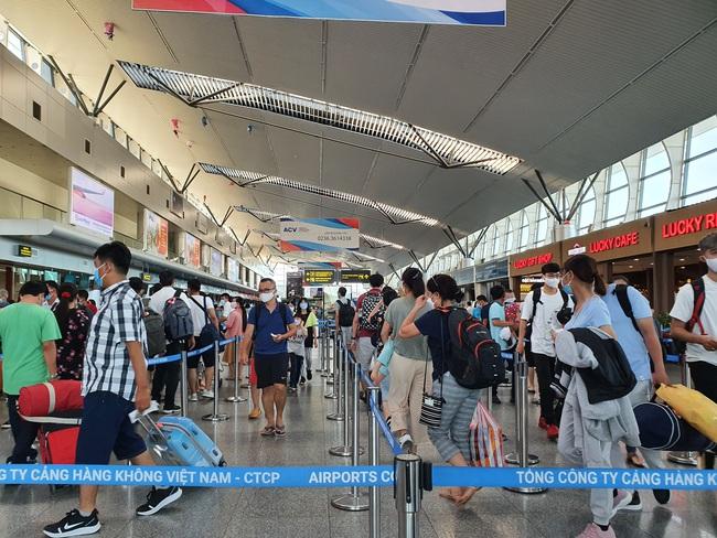Đà Nẵng đề nghị mở các chuyến bay đưa 600 người về TP.HCM - Ảnh 1.
