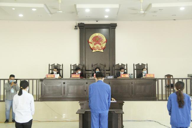 Phiên tòa xét xử vụ tổ chức đưa người Trung Quốc nhập cảnh trái phép vào Đà Nẵng diễn ra như thế nào? - Ảnh 1.