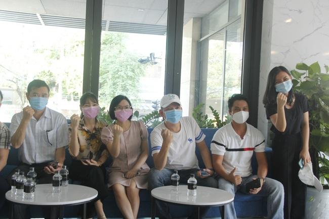 Đà Nẵng đưa 62 y - bác sĩ thuộc đoàn hỗ trợ của tỉnh Bình Định, Thừa Thiên – Huế đã rời thành phố - Ảnh 2.