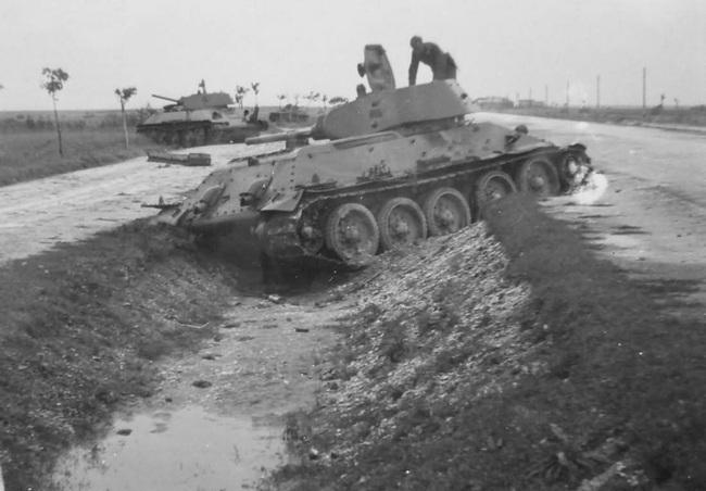 700 xe tăng Đức khiến 3.500 xe tăng Liên Xô thảm bại thế nào? - Ảnh 2.