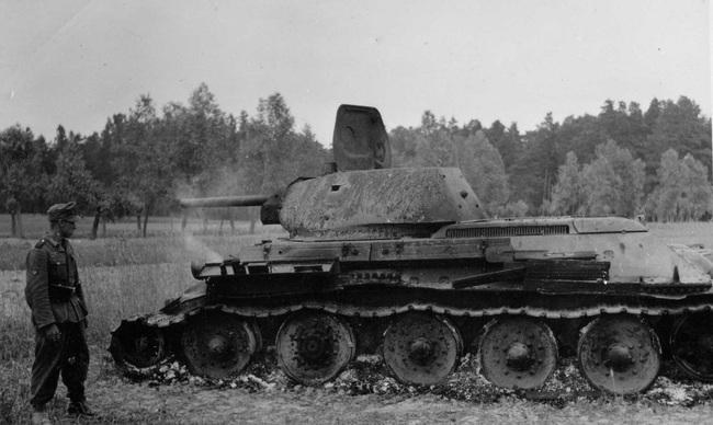 700 xe tăng Đức khiến 3.500 xe tăng Liên Xô thảm bại thế nào? - Ảnh 3.