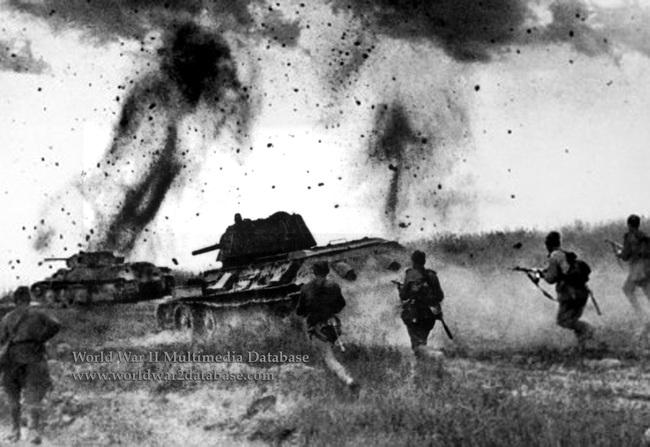 700 xe tăng Đức khiến 3.500 xe tăng Liên Xô thảm bại thế nào? - Ảnh 4.