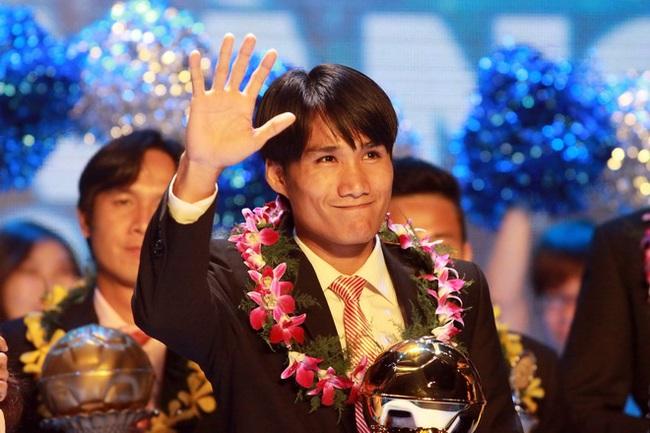 Huỳnh Quốc Anh: Tội đồ, Người hùng và Quả bóng vàng Việt Nam 2012  - Ảnh 2.