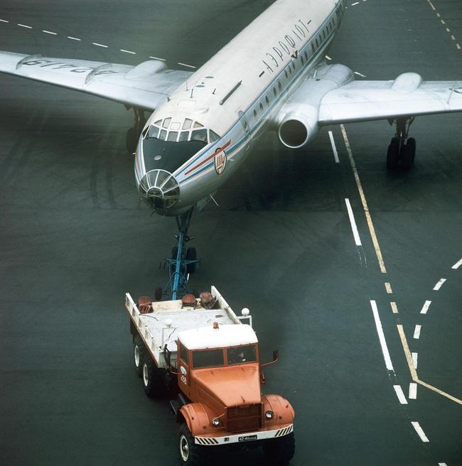 Tại sao Tu-104 lại là loại máy bay dân sự nguy hiểm nhất lịch sử Liên Xô - Ảnh 2.