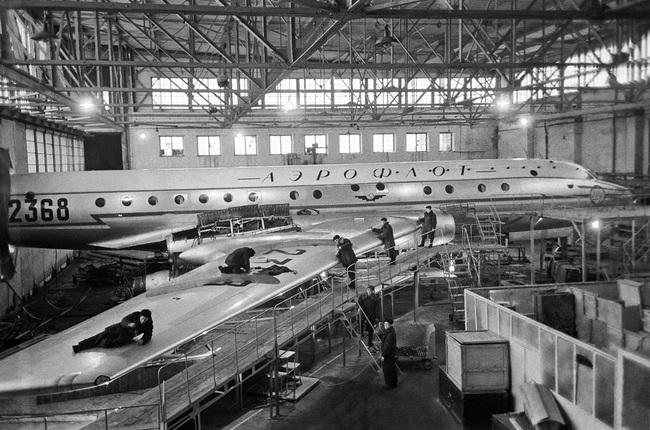 Tại sao Tu-104 lại là loại máy bay dân sự nguy hiểm nhất lịch sử Liên Xô - Ảnh 5.