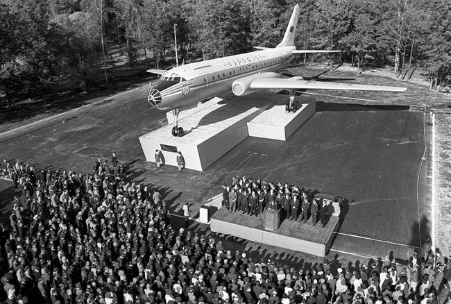 Tại sao Tu-104 lại là loại máy bay dân sự nguy hiểm nhất lịch sử Liên Xô - Ảnh 7.