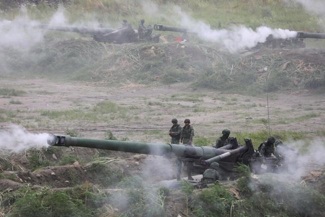 Lo sợ Trung Quốc, Đài Loan gấp rút cải tổ quân đội - Ảnh 1.