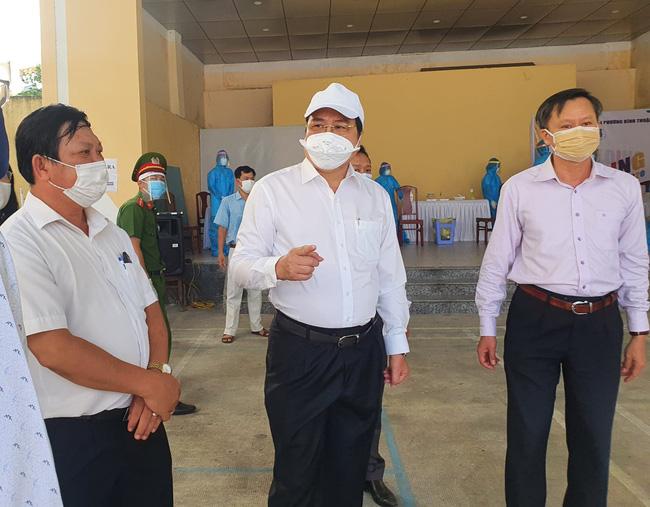 """Chủ tịch Đà Nẵng Huỳnh Đức Thơ: """"Cứu chữa bệnh nhân Covid-19 bằng tất cả trách nhiệm và tình thương"""" - Ảnh 2."""