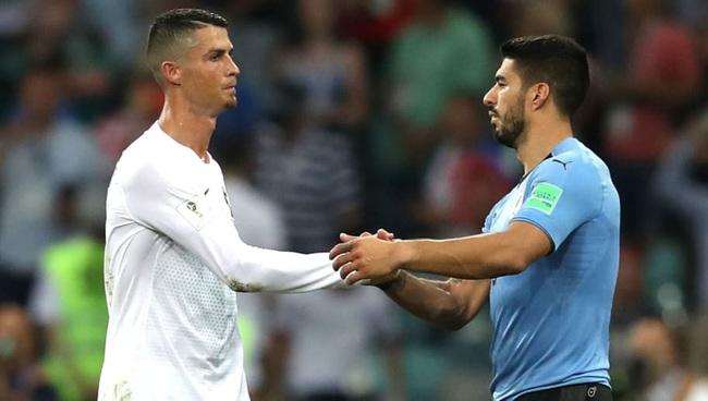 Rời Barcelona, Suarez sắp sát cánh cùng Ronaldo - Ảnh 1.