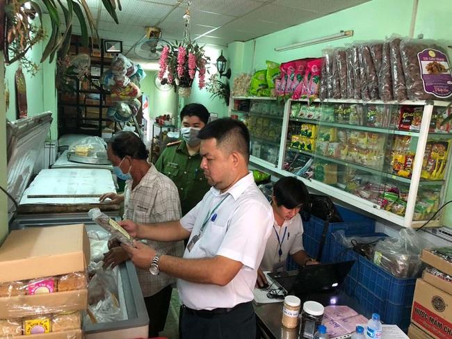 Ăn pate Minh Chay bị ngộ độc, hàng loạt cơ sở kinh doanh sản xuất đồ chay tại Đồng Nai bị kiểm tra - Ảnh 1.