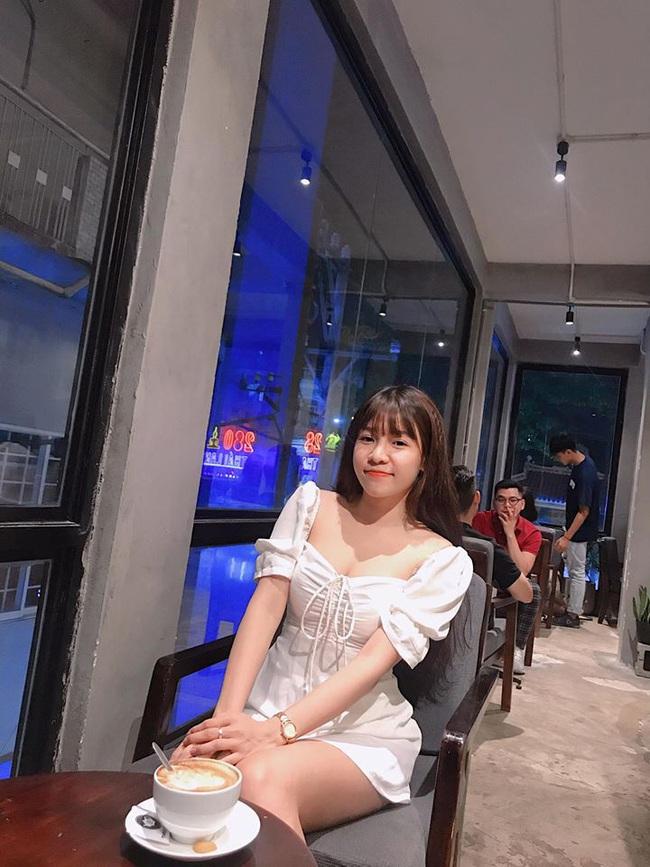 Bạn gái thủ thành Đặng Văn Lâm ngày càng sexy, khiến NHM ngẩn ngơ - Ảnh 9.
