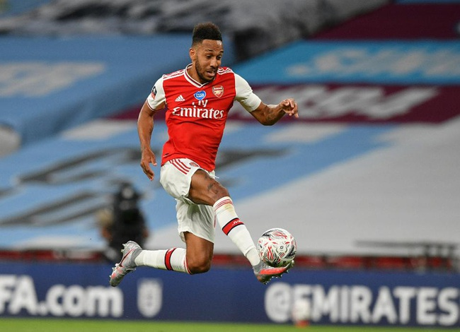"""Đề nghị mức lương """"khủng"""", Arsenal quyết cản Aubameyang tới Real - Ảnh 1."""