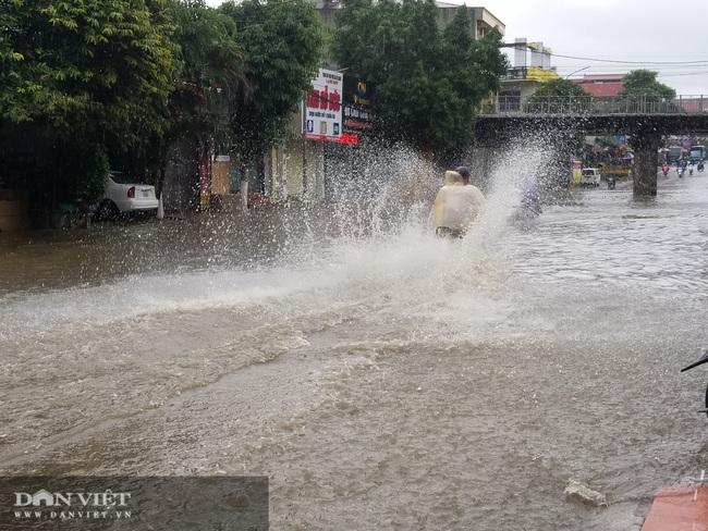 Lạng Sơn: Ảnh hưởng cơn bão số 2, nhiều tuyến đường bị ngập  - Ảnh 5.