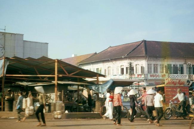 Ảnh hiếm về chợ Bà Chiểu ở Sài Gòn nửa thế kỷ trước - Ảnh 2.